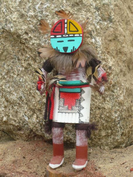 Die Hopi-Kachinas sind Figuren maskierter Nachahmungen einer großen Anzahl von Geistern und gestorbener Ahnen.