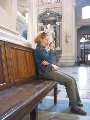 Oktober 2006: Mira Mayer während einer entscheidenden Durchgabe in der Laterankathedrale in Rom.